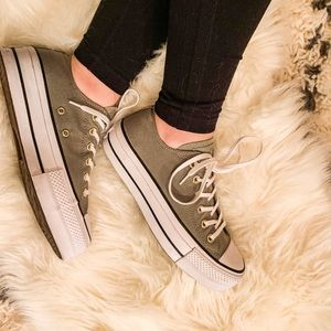 Chuck Taylor All Star Low Top Platforms